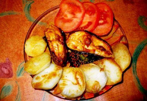 Стейки кеты в духовке с картошкой