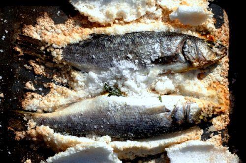 Запеченный сибас в соли