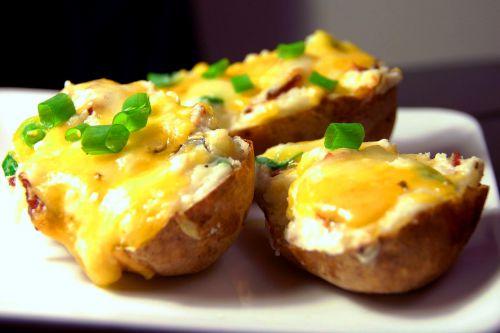 Запеченный картофель в духовке с грибами в фольге