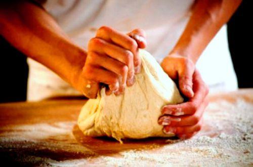 Замешайте тесто собственными руками
