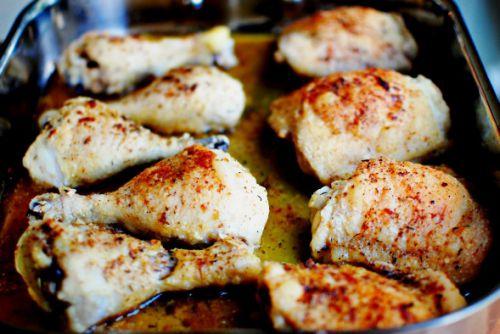Запеченные куриные бедра с приправой